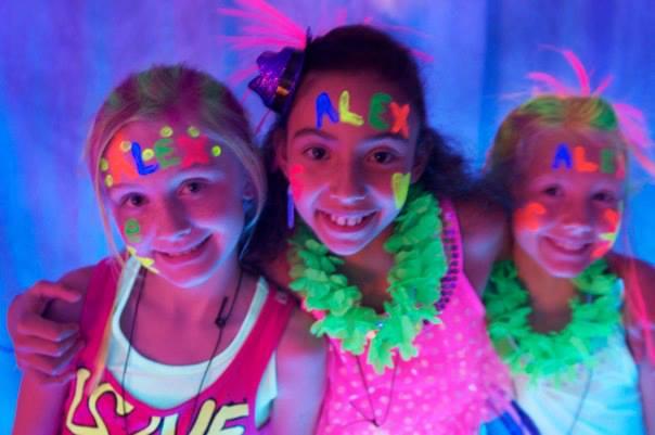 glow-party-kids-2